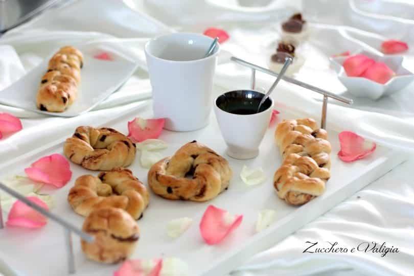 Conosciuto Treccine dolci con gocce di cioccolato per una colazione super JG34