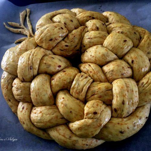 Pane ai semi di lino intrecciato a 5 capi