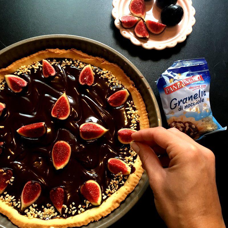 crostata cioccolato fichi e lamponi