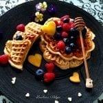 Waffle morbidi allo yogurt con frutti di bosco (Bimby e non)