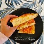 Pizza alta Bimby, croccante sotto e morbida dentro