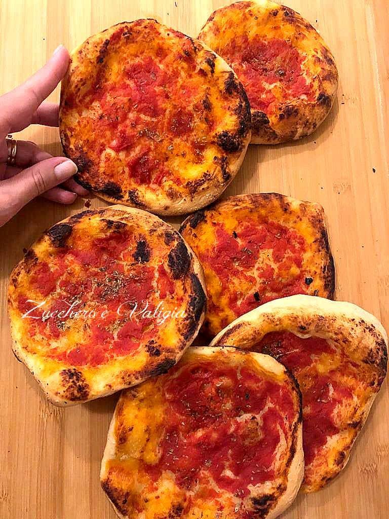 Pizzette rosse rotonde
